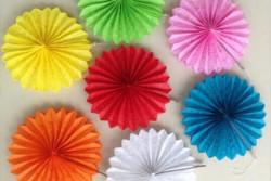 Papierwaaiers in 11 kleurtjes