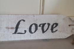Wit bordje Love